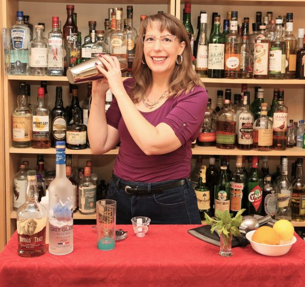 tammy coxen demonstrates how to shake a cocktail